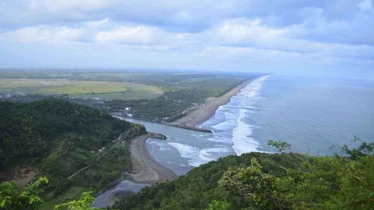 Pantai Karang Balong Kebumen