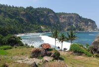 Pantai Pangasan Pacitan
